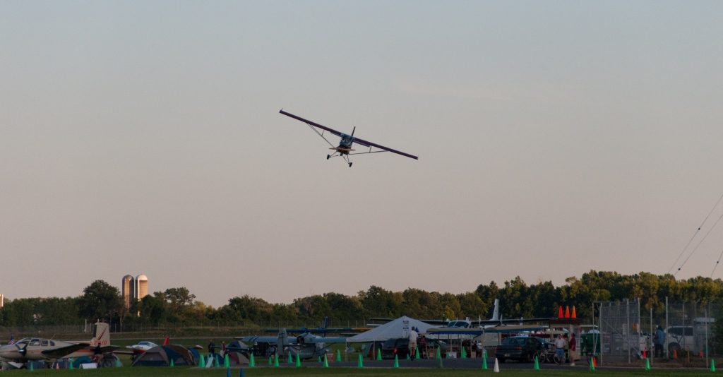 Burgundy UltraCub turns final @ #OSH13