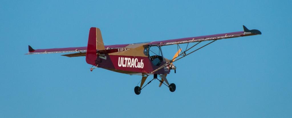 Belite taking off at OshKosh Airventure 2013.