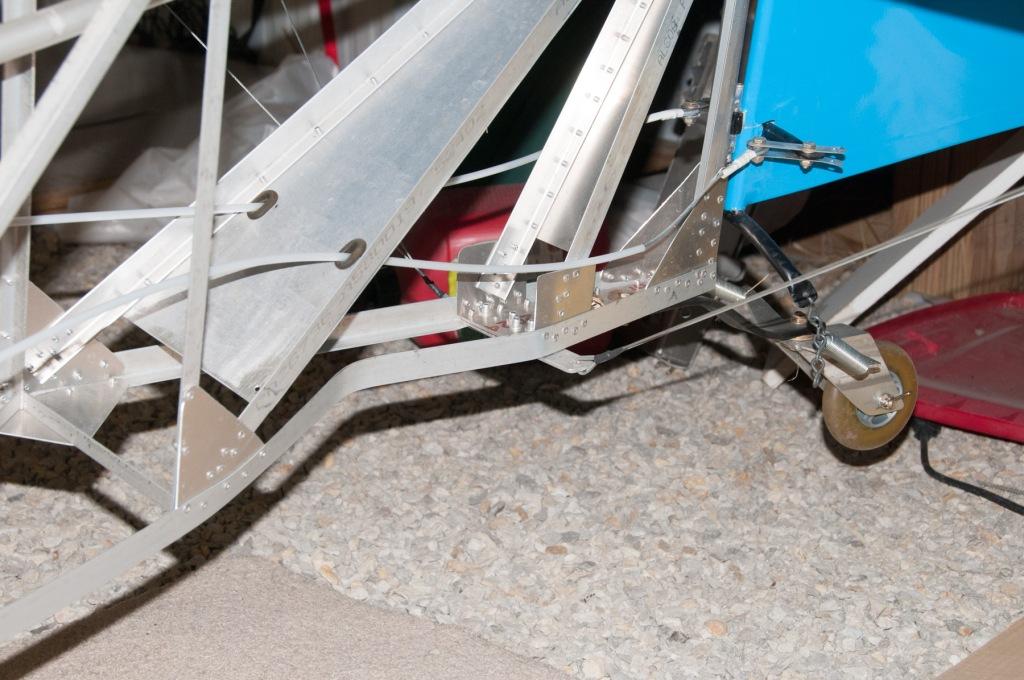 Bent rear fuselage aluminum angle longerons